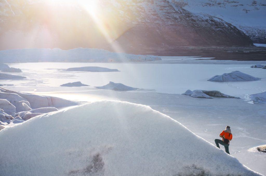 ¿Te atreves a escalar en hielo en Islandia?