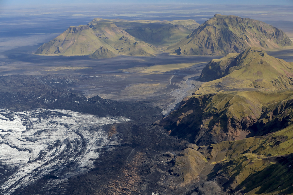 Vistas aereas de Katla, uno de los volcanes del sur de Islandia que está a punto de despertar