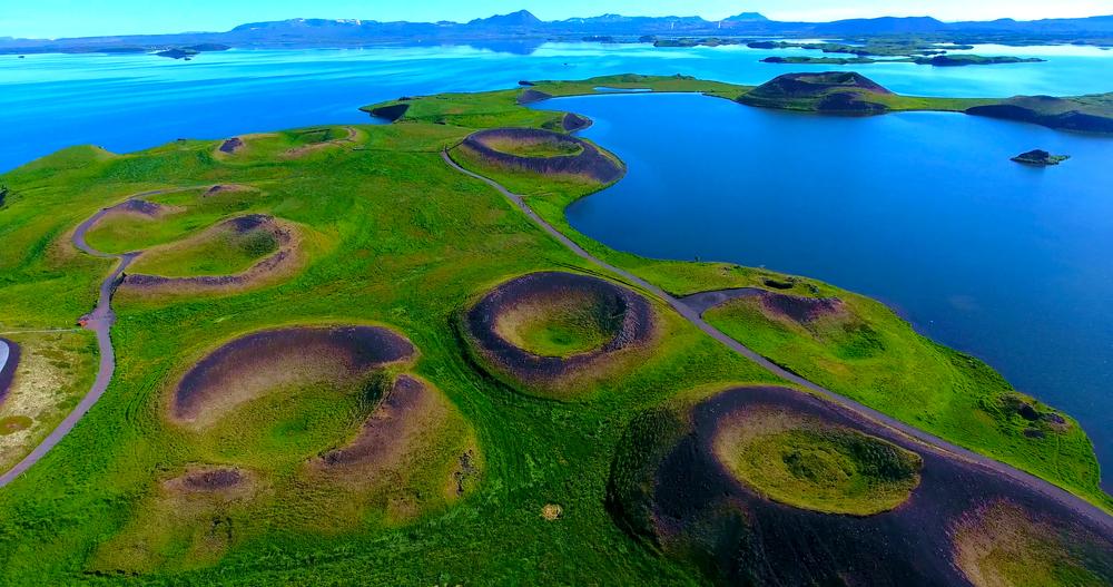 Myvatn se encuentra es una parada principal en la carretera circular en el norte de Islandia