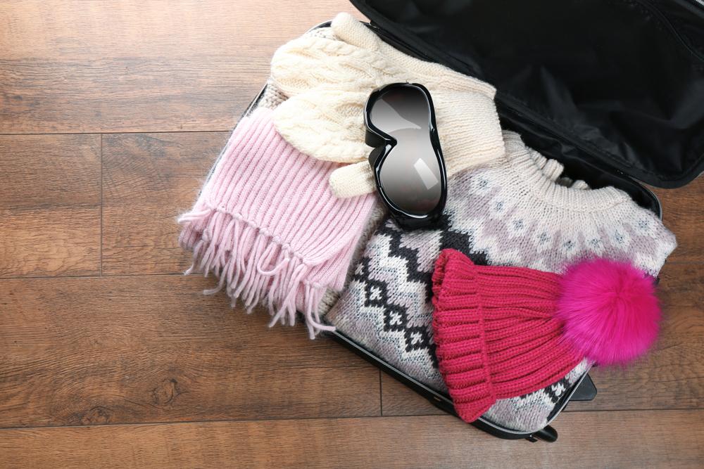 Maleta con ropa ideal apra pasar octubre en Islandia