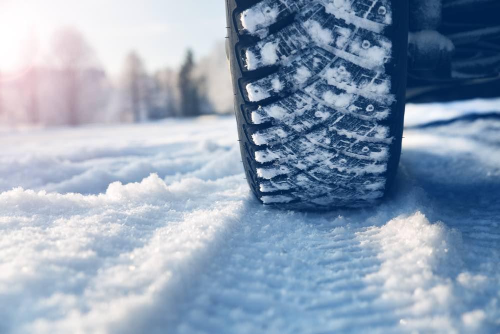 ruedas invierno alquiler coche islandia