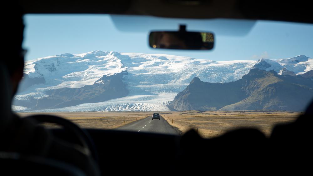 Conductor en viaje por Carretera en Islandia