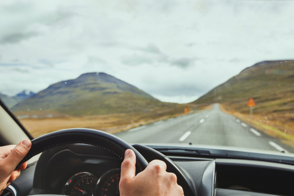 conduciendo por islandia con seguridad
