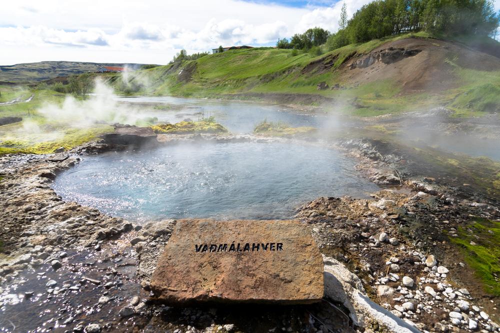 Laguna secreta en Fluidir, una de las mejores piscinas de Islandia