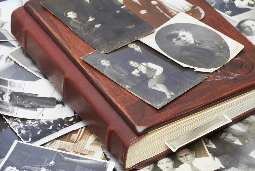 Fotos familiares sobre Íslendingabók, el arbol genealogico de Islandia