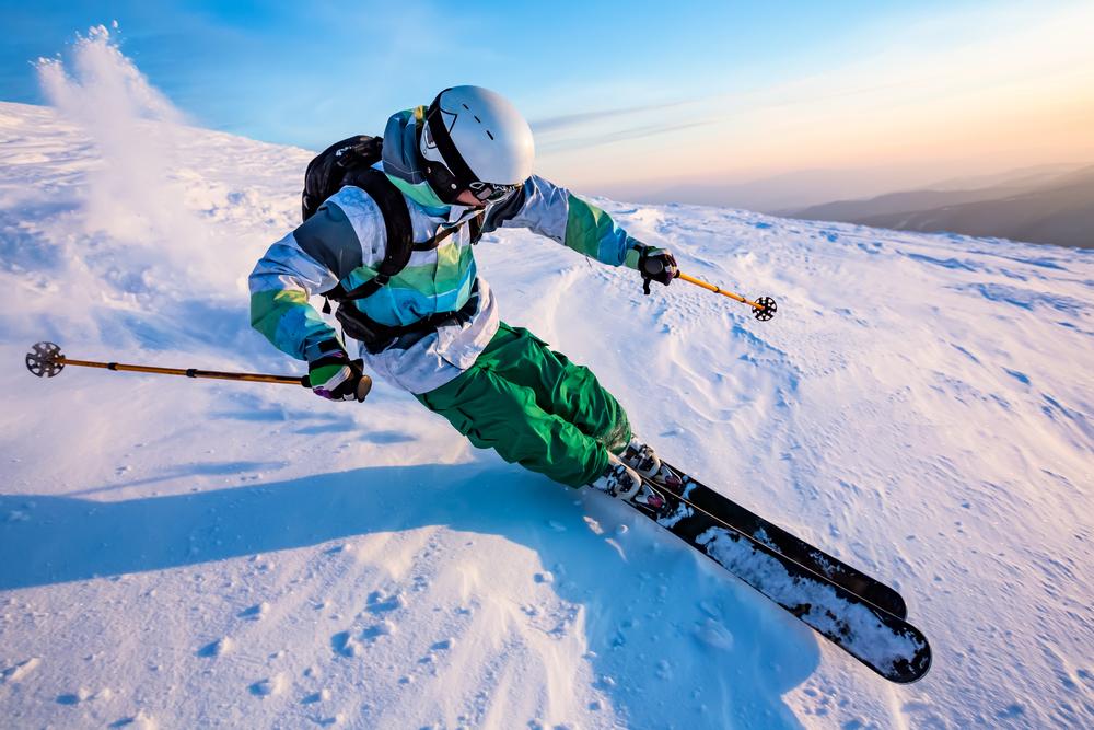Esquiado deslizandose en las pistas de Dalvik