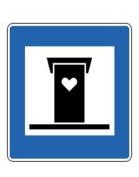 Curiosa señal de tráfico islandesa indicando un baño