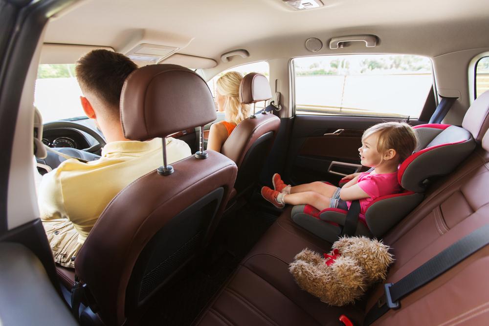 Sillita de bebé en un viaje por Islandia en coche
