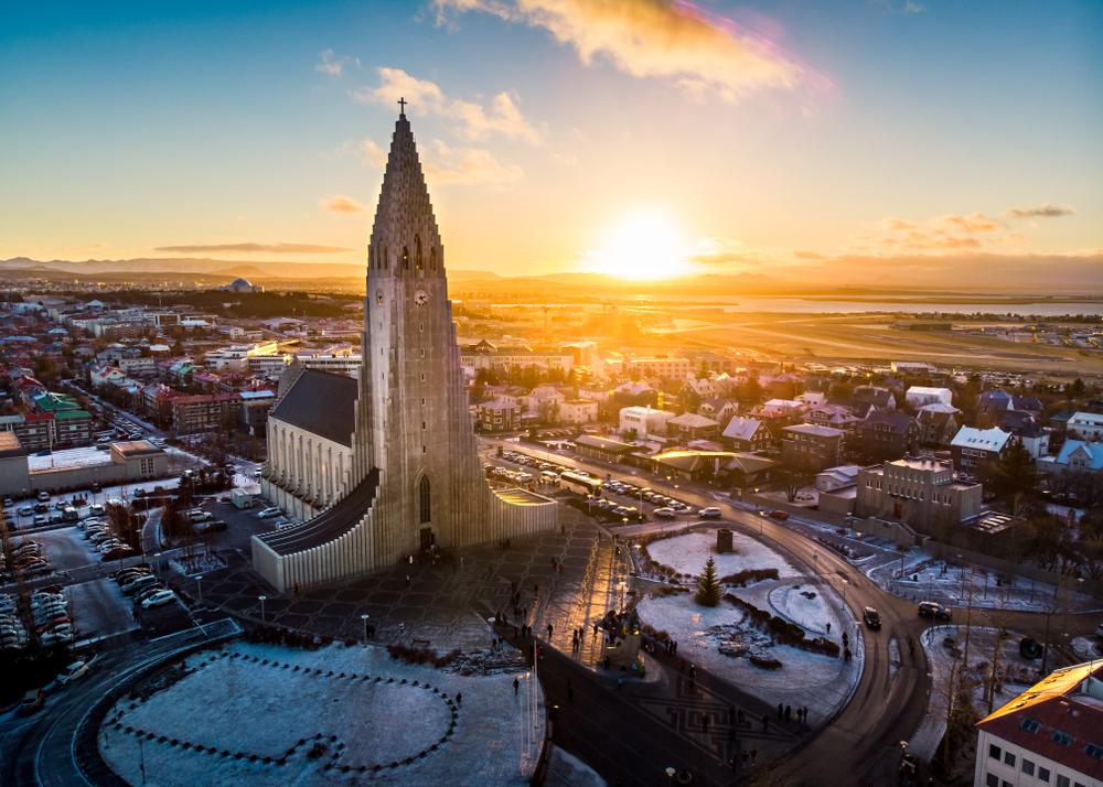 vistas de reikiavik, ciudad que ofrece opciones de ocio gratuitas