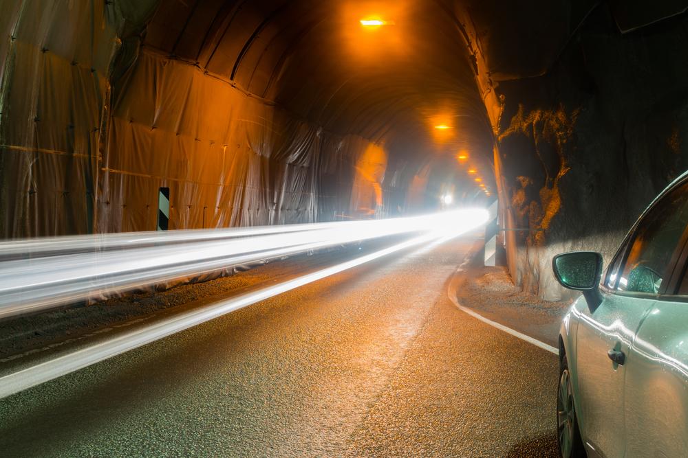 Tunel en la Islandia, los túneles son donde históricamente ha habido peajes en Islandia