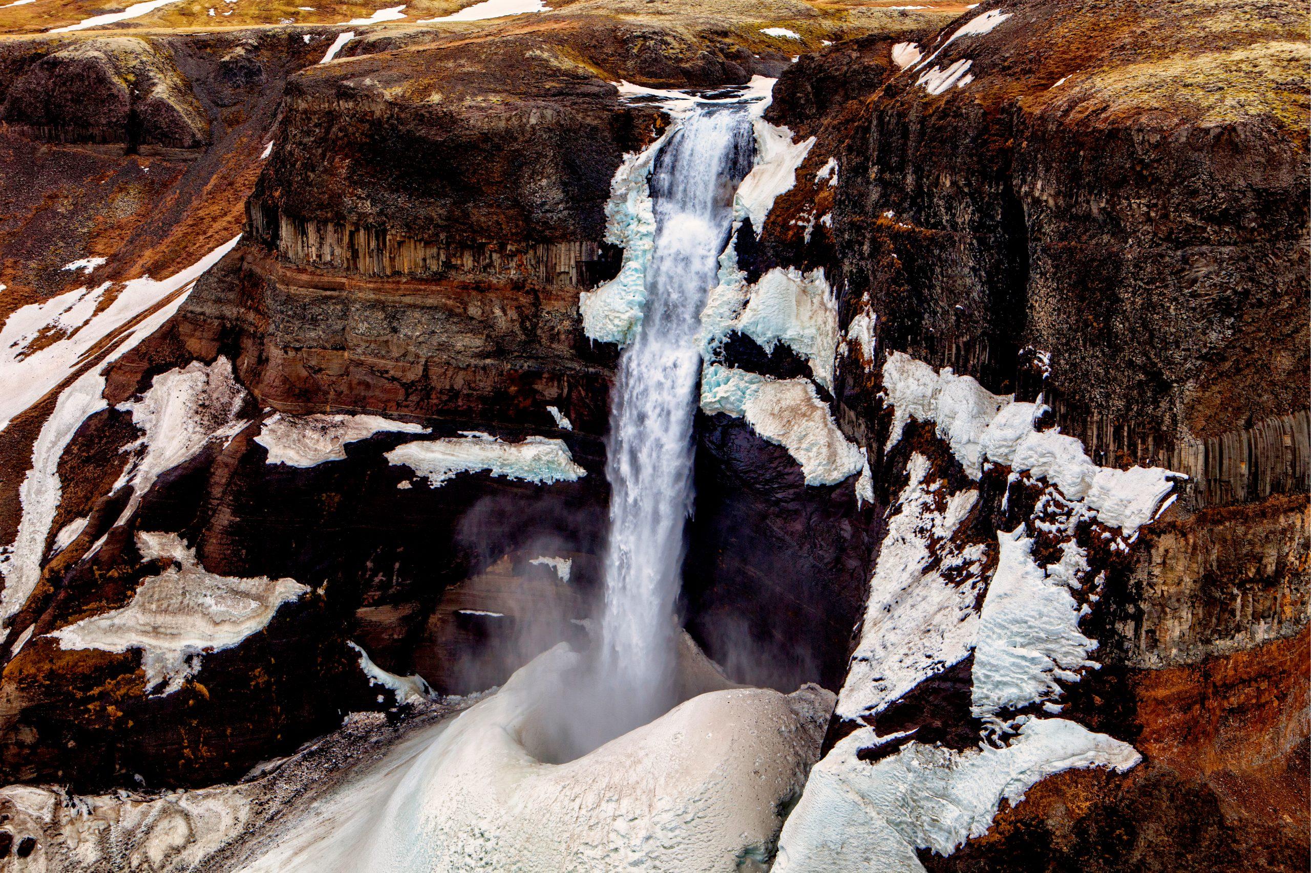 Cascada Háifoss nevada - La cascada más alta de Islandia