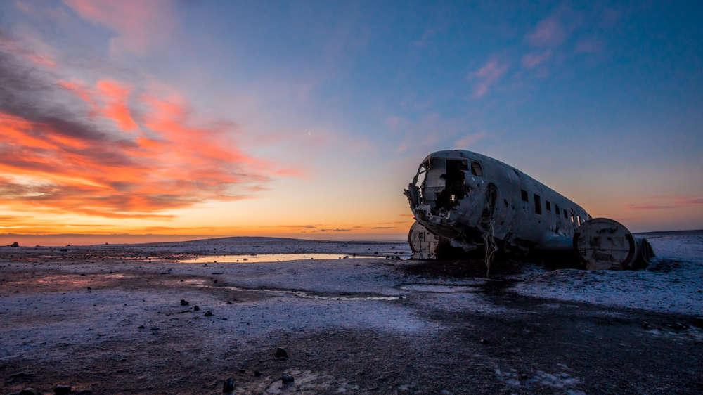 Restos del avión estrellado de Islandia