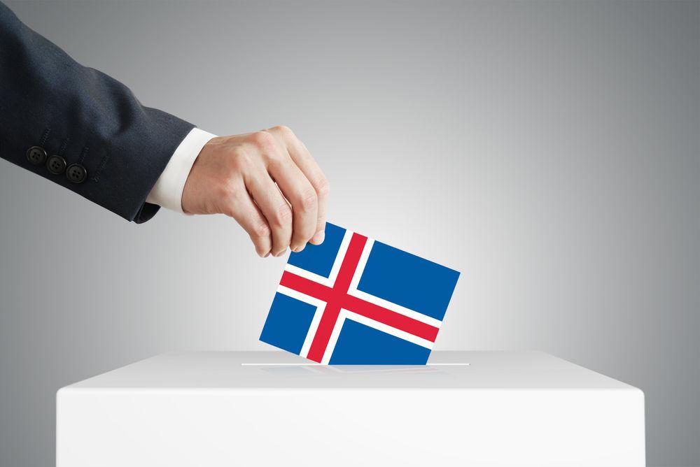 caja de votaciones con la bandera islandia referente a islandia unión europea
